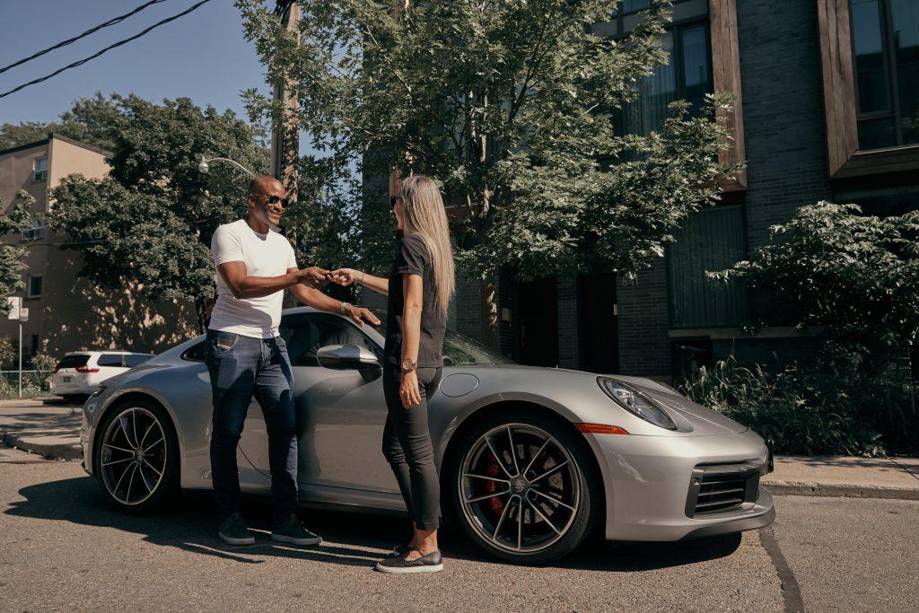 Porsche concierge picking up the Porsche 911